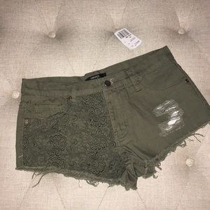Forever 21 shorts with lace detail